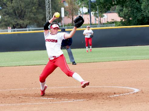 Senior pitcher Shelly Tait pitching this Saturday afternoon against Cal Poly in a three game series. Photo credit by Martha Ramirez/Contributer