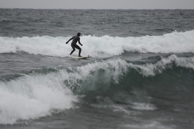 Cold-weather surfing at Stoney Point