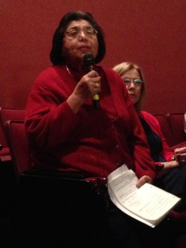 CSUN Alum Irene Tovar, left, expresses her concerns at the public hearing on impaction with President Dianne Harrison, right. (The Sundial Photo)