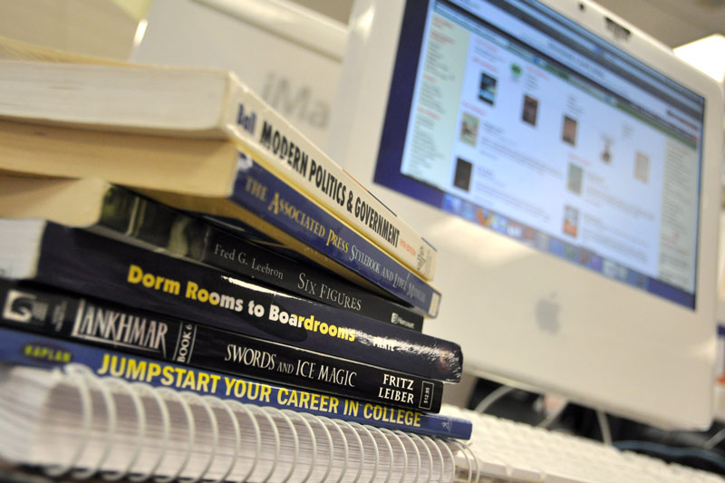 Students vary in their preferences in digital and print textbooks. Photo Illustration by Sami Eshagi.