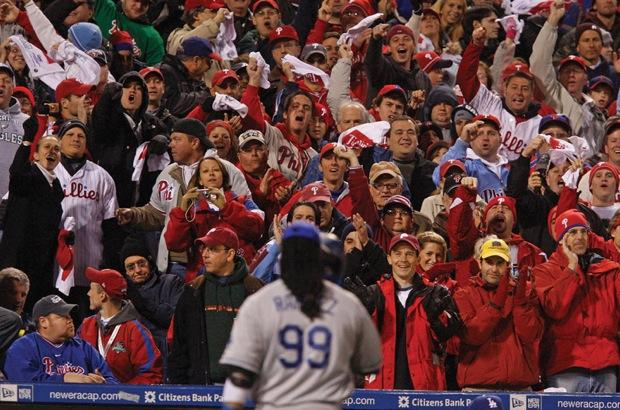 Philadelphia Phillies fans react to Los Angeles Dodgers Manny Ramirez striking out in the seventh inning during Game 3 of the NLCS in Philadelphia, Pennsylvania, Sunday, October 18, 2009. (Ron Cortes/Philadelphia Inquirer/MCT)