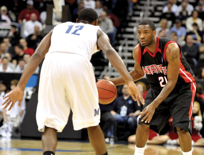 Kenny Daniels, right, looks to give CSUN a couple of wins in the NIT consolation round in Western Kentucky. Daniels scored 27 points in Northridge's first victory of the season against Texas State. Photo Credit: Jonathan Pobre / sundial file photo