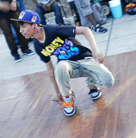 """Lil Flair and the rest of his dance crew, """"DGKrew,"""" jerk in Venice Beach. Photo Credit: Victor Corona / Staff Reporter"""