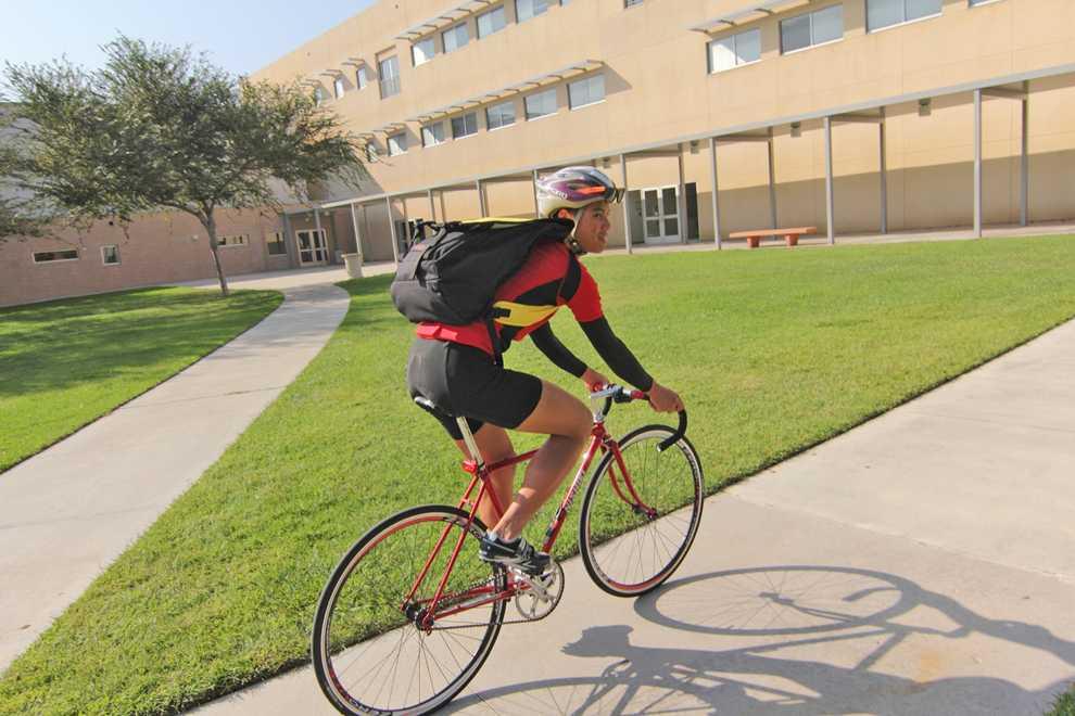 Ira+Caminong+cycles+through+campus+on+his+fixed+gear+bicycle.+Simon+Gambaryan+%2F+Daily+Sundial