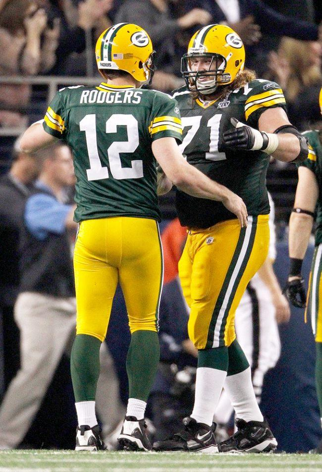 Weekly Column: Everyone playing second fiddle to Rodgers