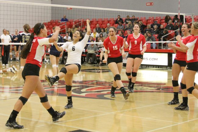 W-Vball: Matadors not surprised with obliteration of Aggies as they inch up in Big West standings