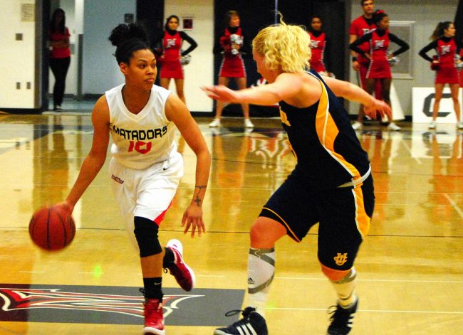 Women's basketball: Matadors off to 2-0 conference start with win over Highlanders
