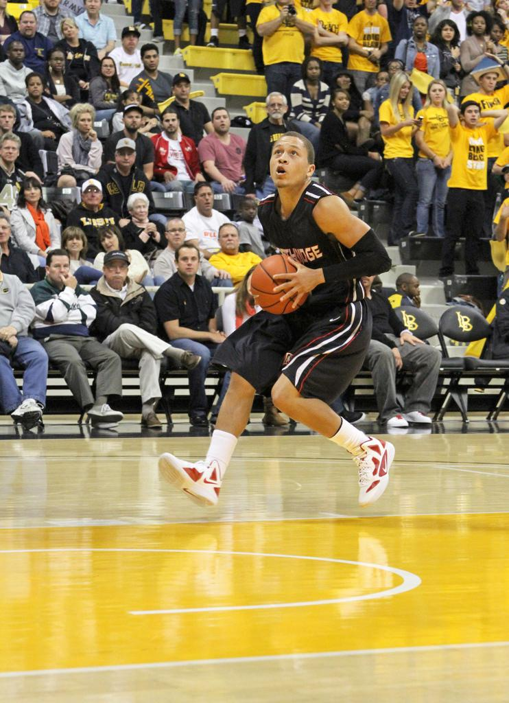 Matador guard Josh Greene had a strong outing of 21 points and four assist, but wasn't enough as CSUN fell to UC Davis Thursday night. Photo Credit: Mariela Molina / Photo Editor