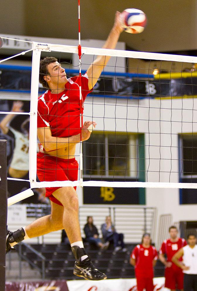 Matador+Julius+H%C3%B6efer+goes+for+a+kill+against+LBSU.+on+Feb.+3.+CSUN+will+look+to+beat+UCSB+for+the+first+time+in+2012+tonight.+Photo+Credit%3A+Kat+Russell+%2F+Senior+Photographer