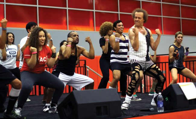 Richard Simmons shows CSUN students how to Lecturecise