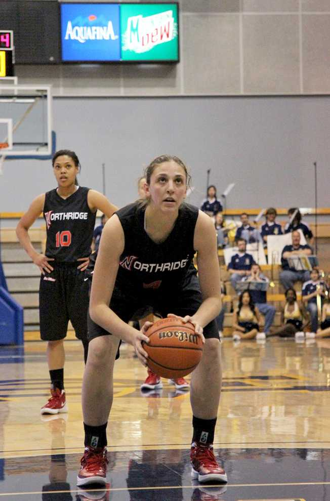 Camille Mahlknecht and the Matadors face LBSU Saturday. Photo Credit: Michael Cheng / Daily Sundial