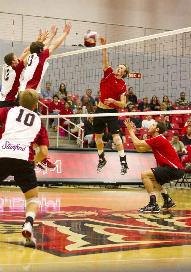 Men's volleyball: No. 4 Cardinal outduel Matadors down the stretch