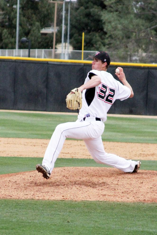 Matador+pitcher+Brandon+Warner+looks+for+a+strike+in+their+game+against+Washington.+Pitching+was+their+downside+against+SDSU+Saturday.+Photo+Credit%3A+Tessie+Navarro+%2F+Multimedia+Editor