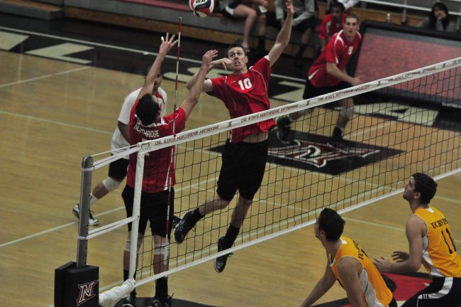 Men's volleyball: Matadors dominate first set, drop next three in loss to No. 15 UC San Diego