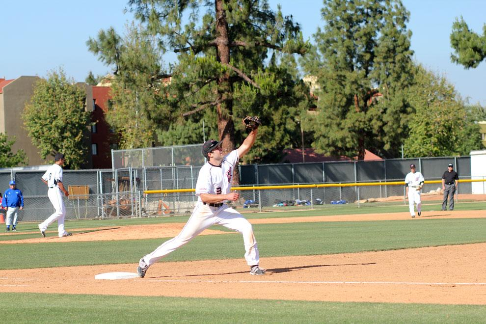 CSUN+junior+Cal+Vogelsang+fields+a+ball+at+first+base+Tuesday+against+Cal+State+Bakersfield.+The+Matadors+beat+the+Roadrunners%2C+4-3.+Photo+Credit%3A+Blake+Gaytan+%2F+Contributor