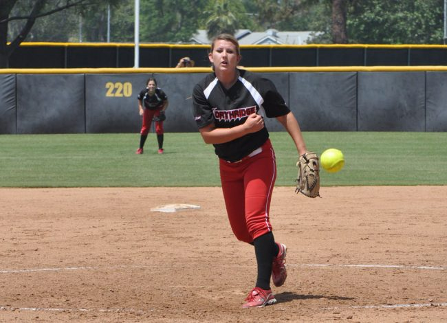 CSUN pitcher Brianna Elder throws a ball to a Long Beach batter Sunday. The Matadors host a three-game series against Cal Sate Fullerton this weekend. Photo Credit: Mariela Molina / Photo Editor