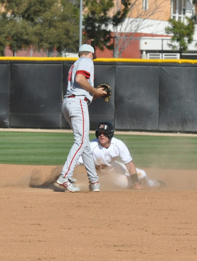 Baseball: Matadors' three-run sixth leads the way in finale win at UCSB
