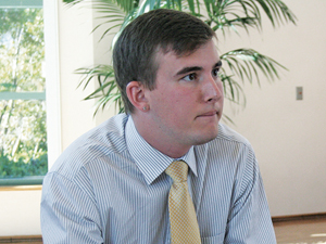 Associated Students vice president informs senate of possible CSU fee increase
