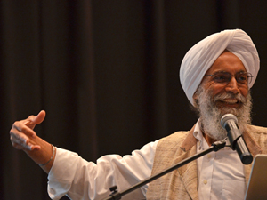 Scholar shares his knowledge of Sikh community