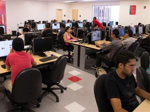 New computer lab offers shorter printing lines, more stations and weekend access