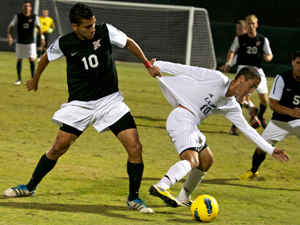 Men's Soccer: Matadors lengthen win streak to five