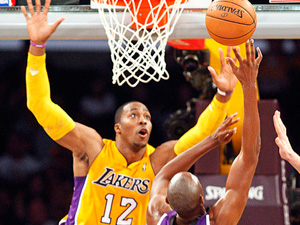 Column: Winless Lakers shouldn't worry fans