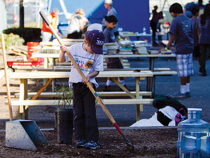 Over 1,000 volunteers join to beautify Washington Irving Middle School in celebration of MLK Day