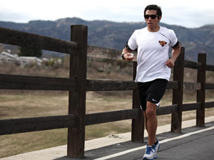 Kinesiology professor challenges students to complete the LA Marathon