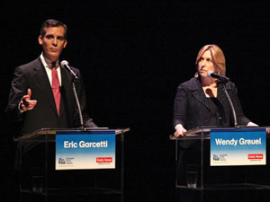 Mayoral candidates debate public safety practices and transportation