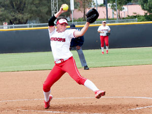 Softball: Matadors sweep doubleheader against Cal Poly on walkoff