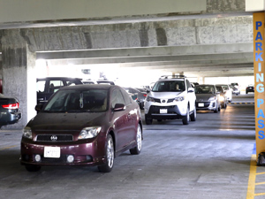 CSUN parking lots filled to capacity, PD recommends parking in F10