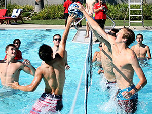 SRC invites students to water volleyball competition at Poolside Palooza