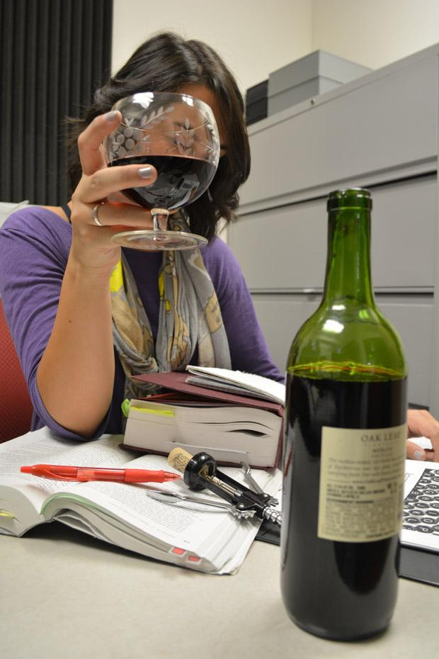 Some students consider drinking alcohol while studying to be helpful in retaining information. However, academics and alcohol do not mix. Photo credit: John Saringo-Rodriguez / Photo Editor
