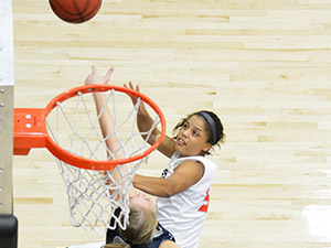 Women's Basketball: Late surge lifts Utah State over Matadors