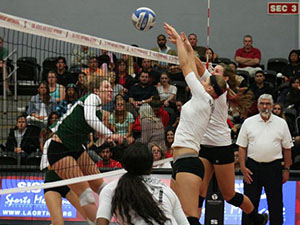 Women's Volleyball: No. 21 CSUN uses efficient attack to sweep Cal Poly