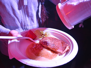 Students relax with pancakes, silent disco at