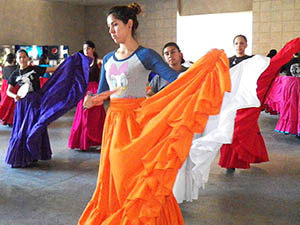 CSUN Ballet Folklorico shares Mexican tradition with campus