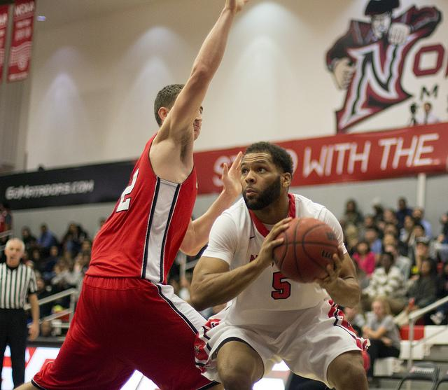 Men's Basketball: Matadors showing improved play under Theus