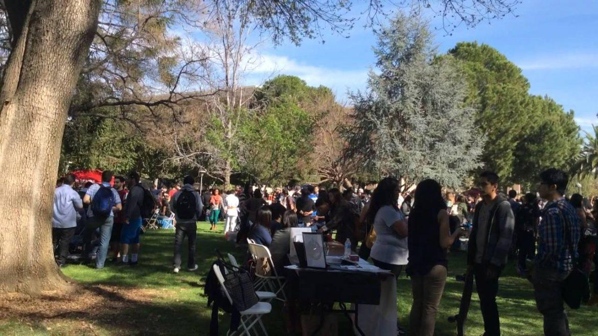 Students+pack+Bayramian+Lawn+for+spring+Meet+the+Clubs