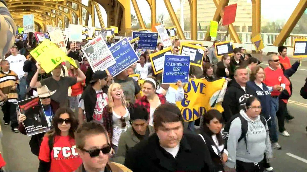 Students rally in Sacramento against budget cuts