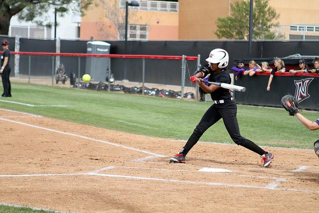 Softball: Matadors split doubleheader against San Diego squads
