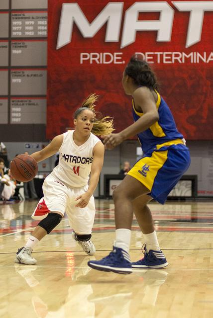 Women's Basketball: CSUN clinches first Big West title with win over UCR