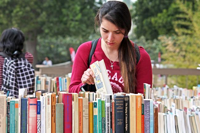 Friends of Oviatt host used book sale to raise money for library