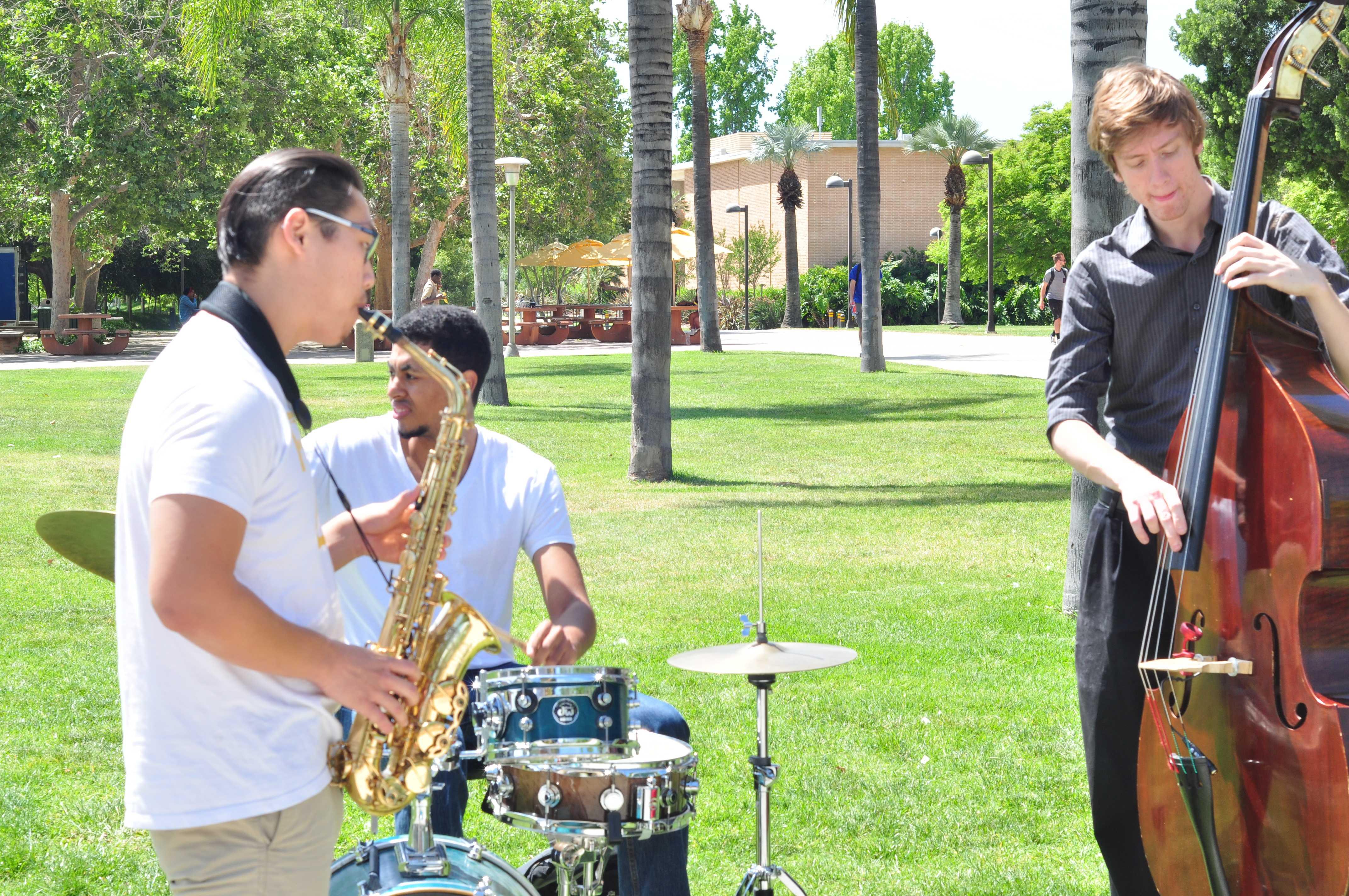 Saxophone: Justin Yun Drums: Matt Jamele Bass: Andy McCauley