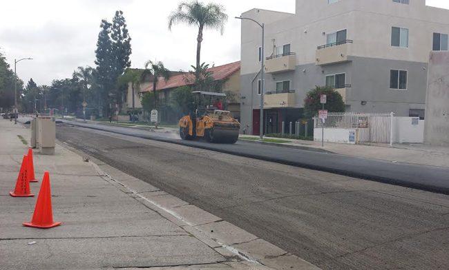 A steamroller seen paving the street. (Photo Credit: Jonathan Diaz/News Editor)