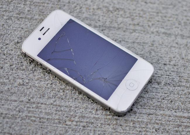 Broken screens and malfunctioning phones make big business