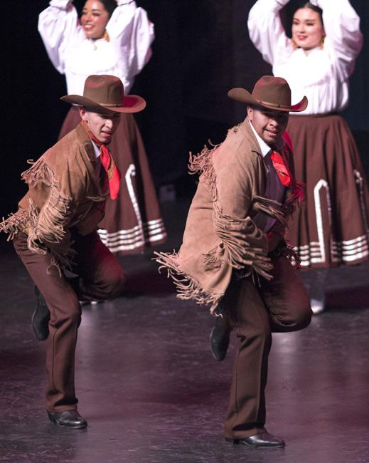 Ballet+Folklorico+Aztlan+de+CSUN+entertains+audience+with+performance