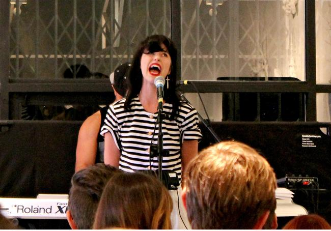 New+Zealand+singer+Kimbra%2C+incorporates+art+with+her+latest+album+%22The+Golden+Echo%22