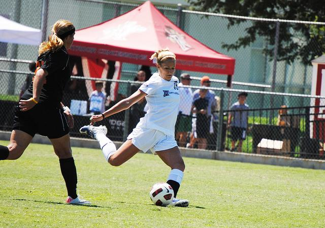 Women's Soccer: Matadors end away shut-out streak against Missouri