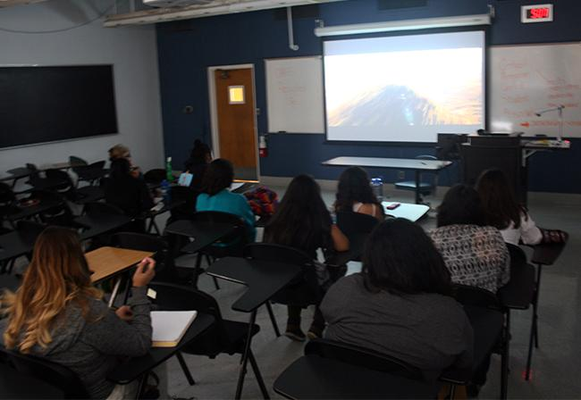 CAUSA members had a film screening on Oct. 16 at CSUN campus as a way to bring awareness of social injustices. The film discussed the landfills that are close to Guatemala City and how toxic they have become. Photo Credit: Rasta Ghafouri/ The Sundial